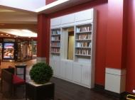 Décor bibliothèque de galerie marchande