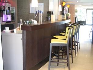 Meuble bar d'hôtel restaurant