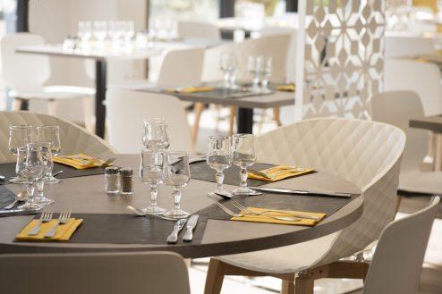 Table ronde de restaurant