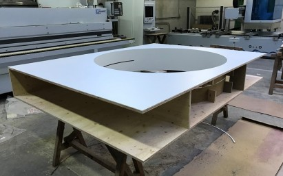 Fabrication du support pour vitrine ronde